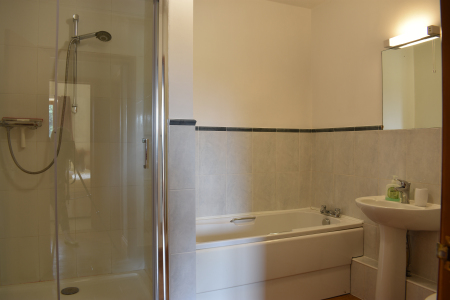Shower and bath in holiday let