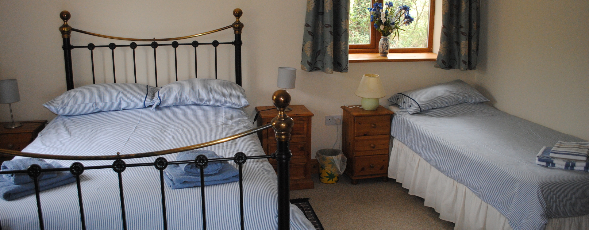 Double bed and a single in Cherry Barn